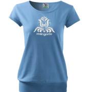 Kék színű női póló népi motívummal